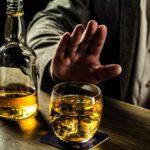 علاج إدمان الكحول مع أبرز أعراض مدمن الكحول