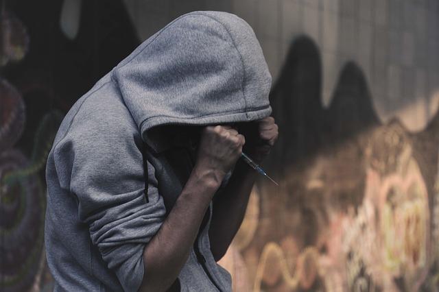 أعراض تعاطي المخدرات عند المراهقين