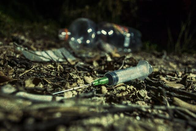 صفات متعاطي المخدرات